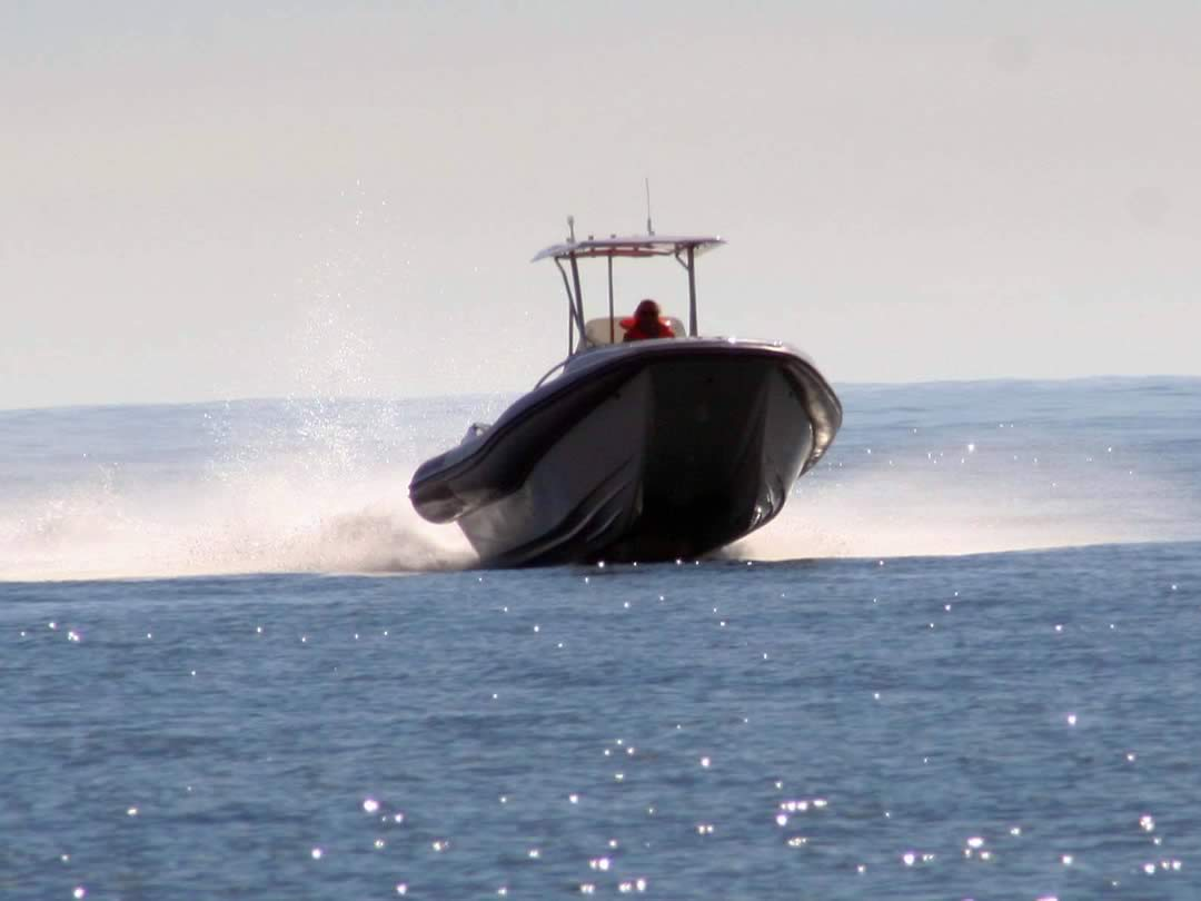 Hysucat-8.5-Hydrofoil-Supported-Catamaran-Fast-RIB-Boat-Sea-trial-11